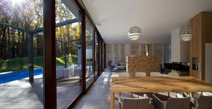modern-house-peristyle-located-oak-tree-forest-homogenous-structure-07