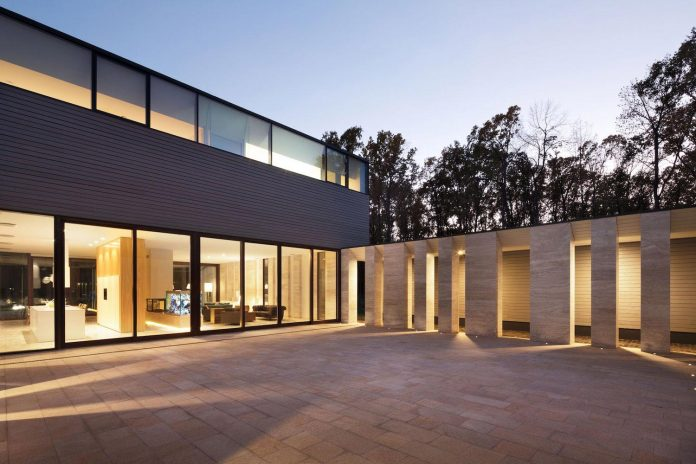 modern-house-peristyle-located-oak-tree-forest-homogenous-structure-12