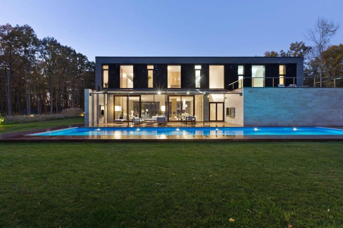 modern-house-peristyle-located-oak-tree-forest-homogenous-structure-13