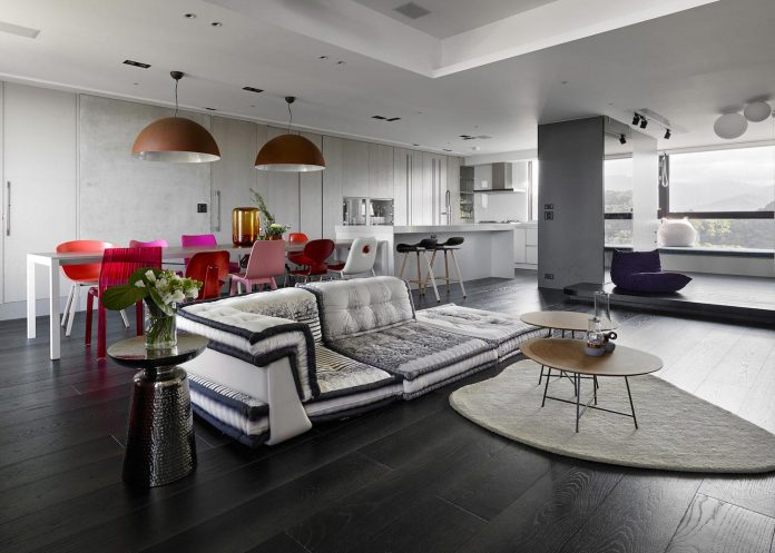 modern-penthouse-situated-11th-floor-high-rise-taipei-04