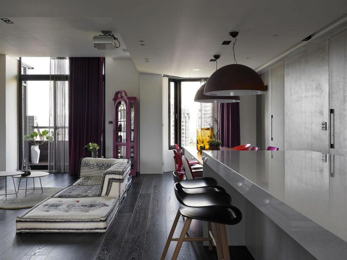 modern-penthouse-situated-11th-floor-high-rise-taipei-05