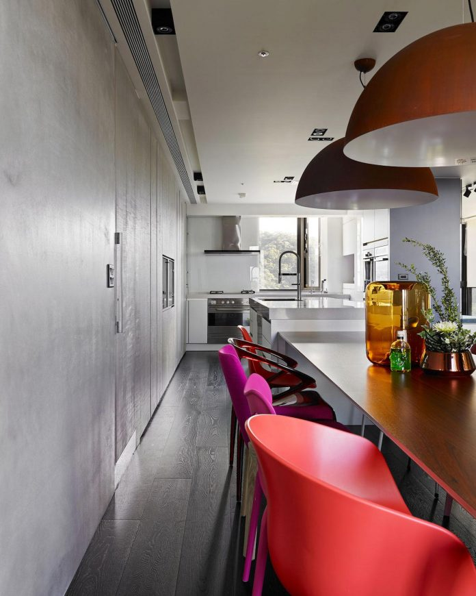 modern-penthouse-situated-11th-floor-high-rise-taipei-07