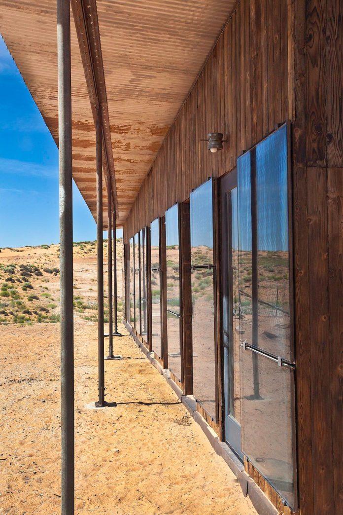 nakai-residence-middle-desert-constructed-lorraine-nakai-04