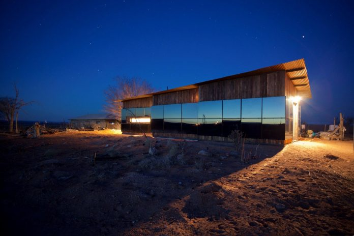 nakai-residence-middle-desert-constructed-lorraine-nakai-14