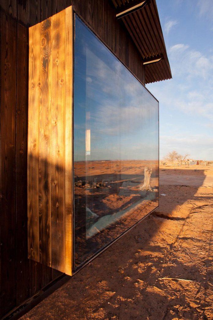 nakai-residence-middle-desert-constructed-lorraine-nakai-16