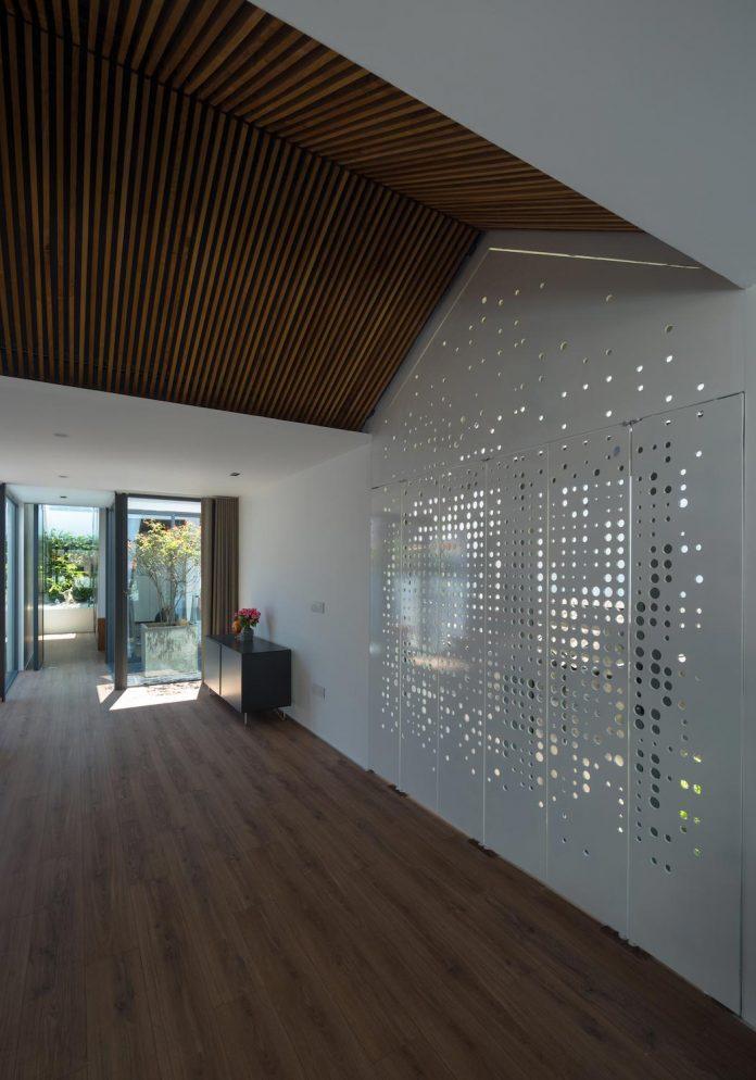 new-comfortable-attic-apartment-old-house-located-old-quarter-hanoi-06