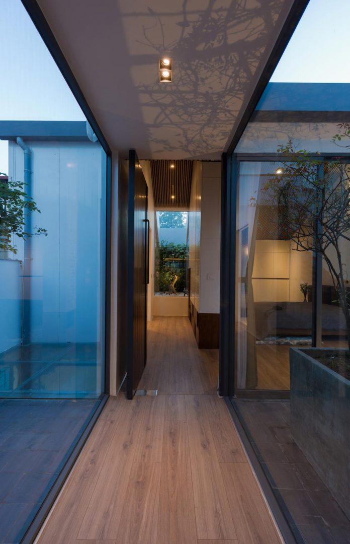 new-comfortable-attic-apartment-old-house-located-old-quarter-hanoi-15