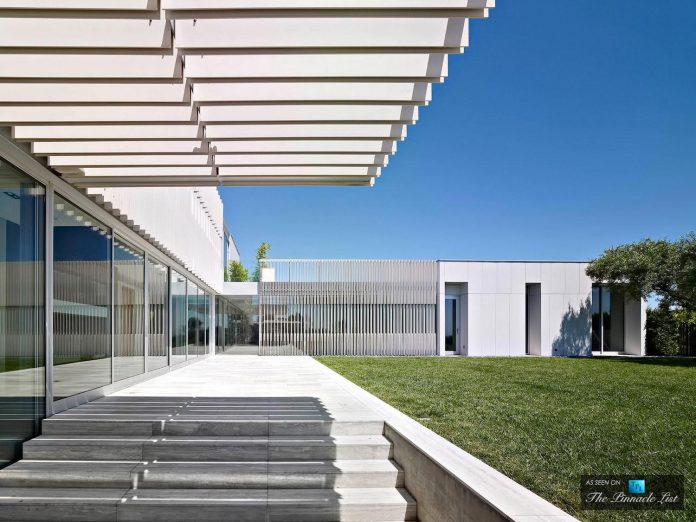 oberfeld-luxury-residence-clean-modern-10000-square-foot-home-emerges-containing-two-main-floors-05