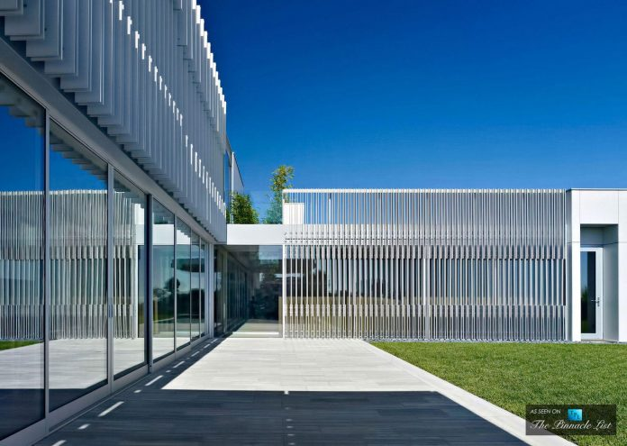 oberfeld-luxury-residence-clean-modern-10000-square-foot-home-emerges-containing-two-main-floors-06