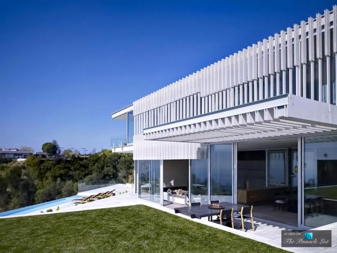 oberfeld-luxury-residence-clean-modern-10000-square-foot-home-emerges-containing-two-main-floors-10
