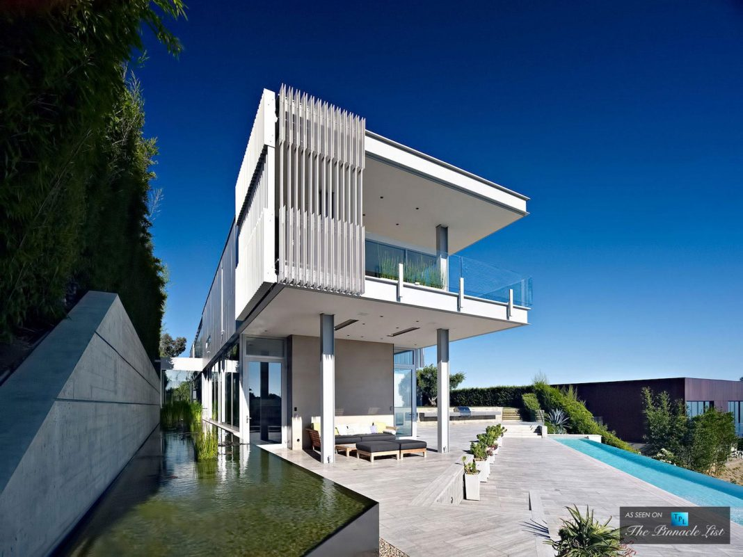 Oberfeld luxury residence a clean modern 10 000 square for 10000 sq ft house