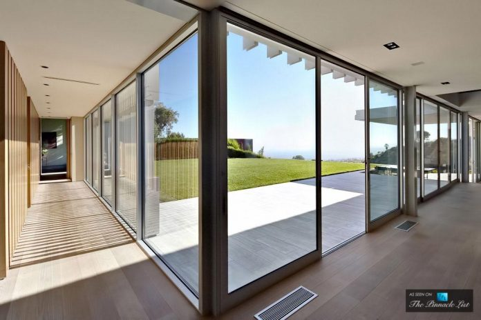 oberfeld-luxury-residence-clean-modern-10000-square-foot-home-emerges-containing-two-main-floors-23