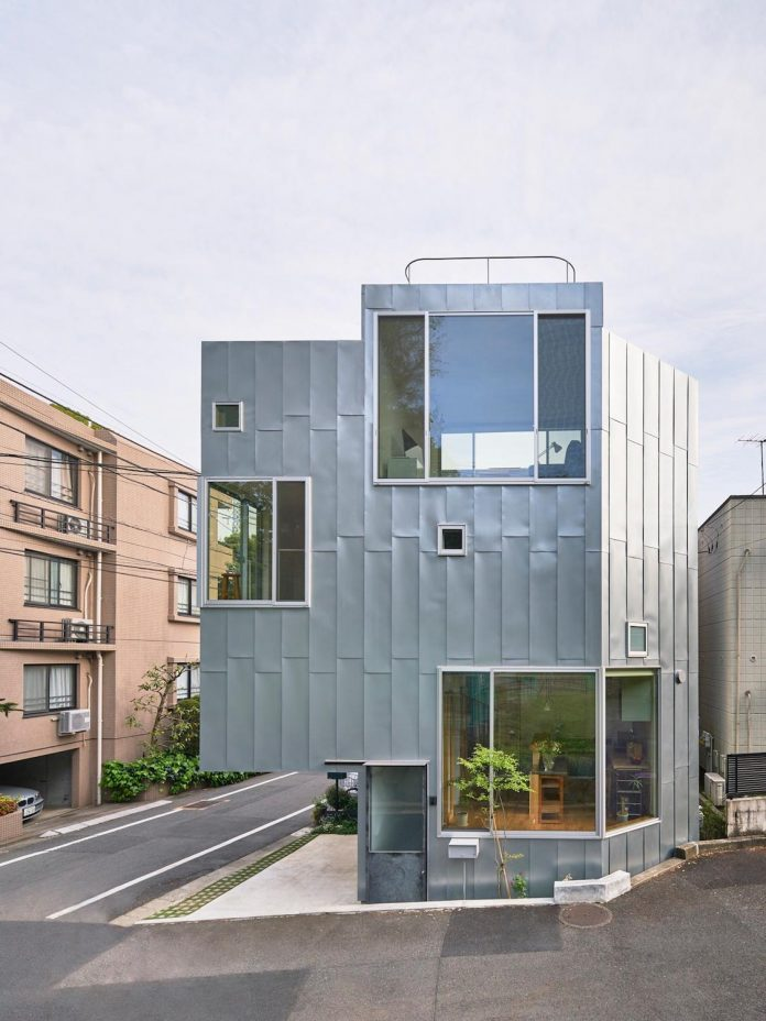 ondo-house-cafe-3-floors-basement-roof-terrace-faces-one-famous-parks-tokyo-02