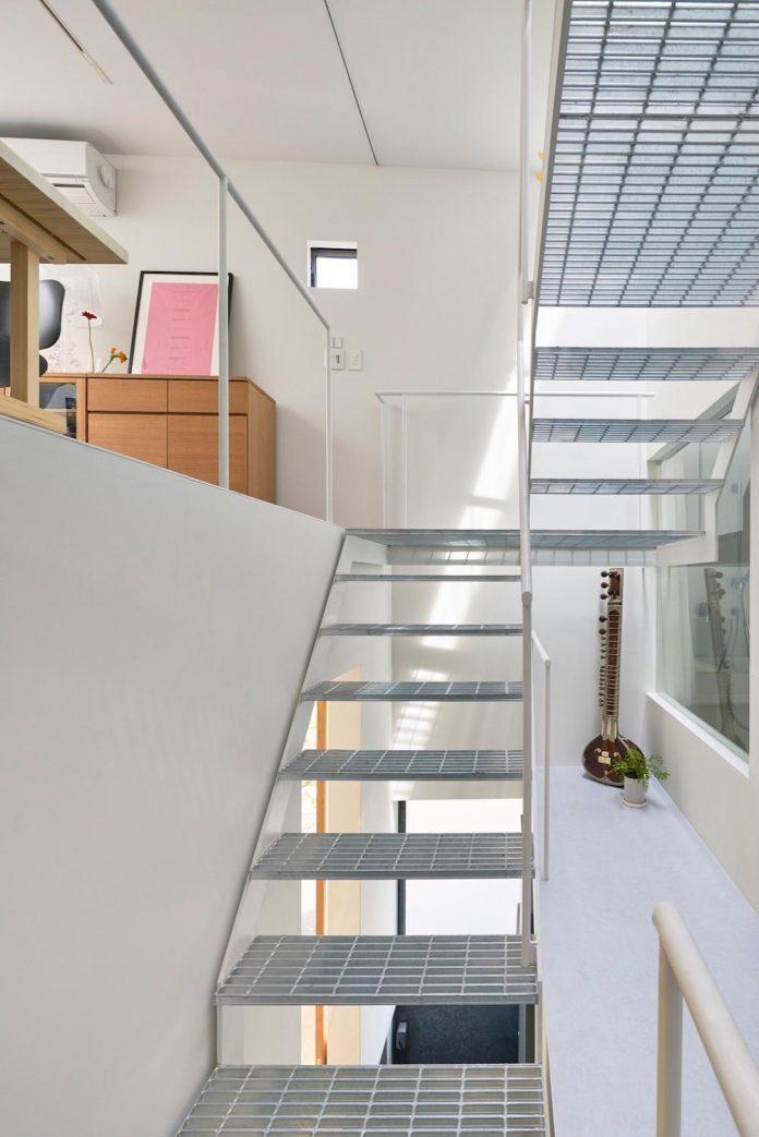 ondo-house-cafe-3-floors-basement-roof-terrace-faces-one-famous-parks-tokyo-05