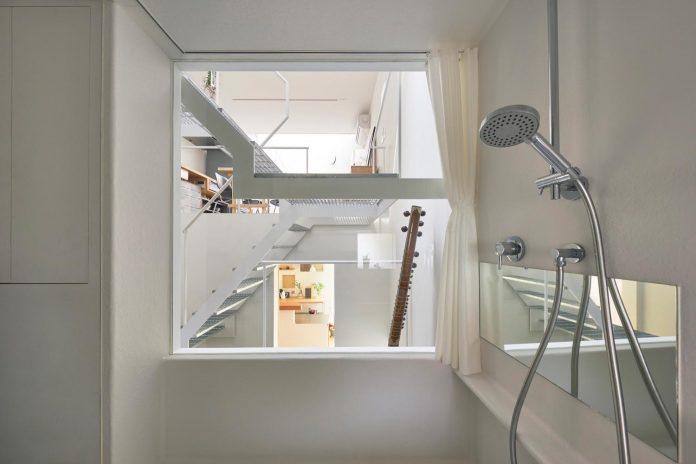 ondo-house-cafe-3-floors-basement-roof-terrace-faces-one-famous-parks-tokyo-06
