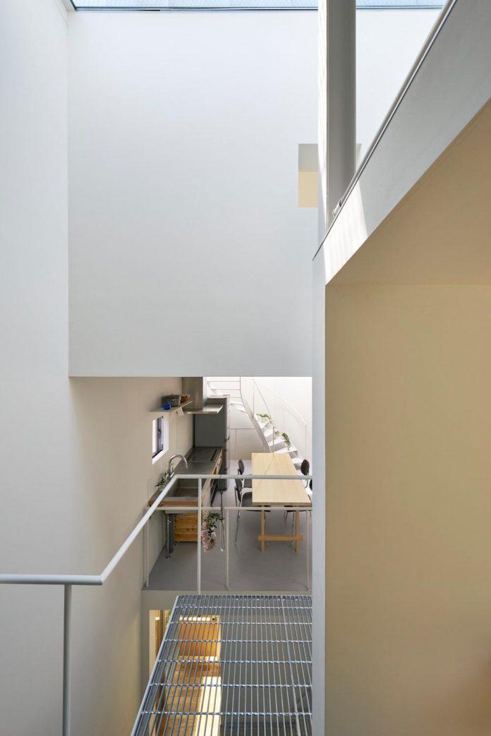 ondo-house-cafe-3-floors-basement-roof-terrace-faces-one-famous-parks-tokyo-08