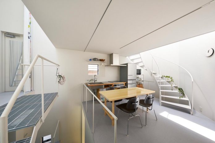 ondo-house-cafe-3-floors-basement-roof-terrace-faces-one-famous-parks-tokyo-10