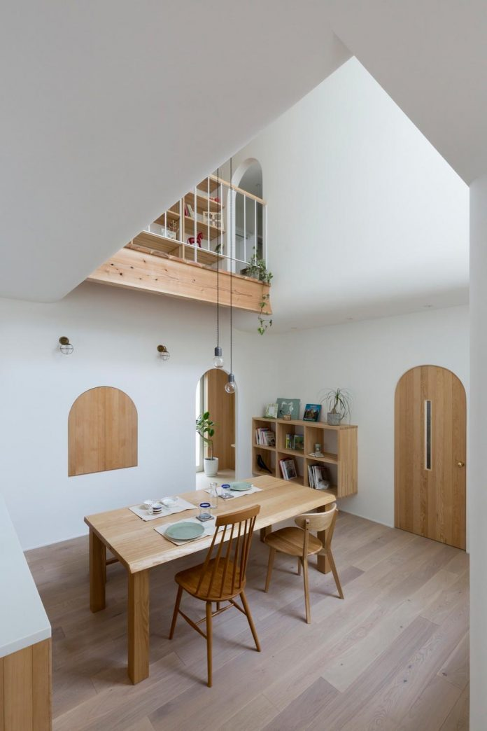 otsu-house-alts-design-office-comfy-house-welcoming-atmosphere-lots-light-02