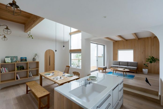 otsu-house-alts-design-office-comfy-house-welcoming-atmosphere-lots-light-04