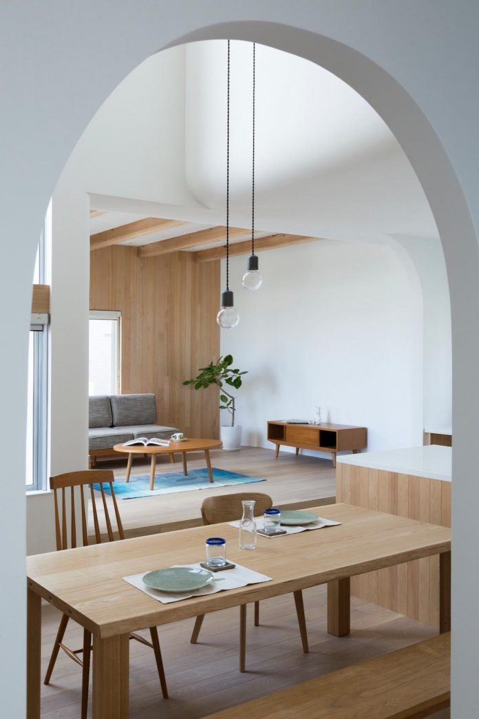 otsu-house-alts-design-office-comfy-house-welcoming-atmosphere-lots-light-10