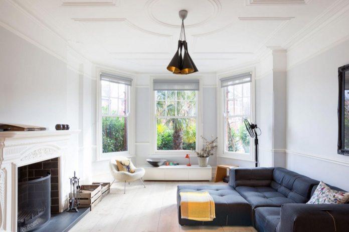 pg-residence-red-brick-detached-property-london-contemporary-interior-look-design-01