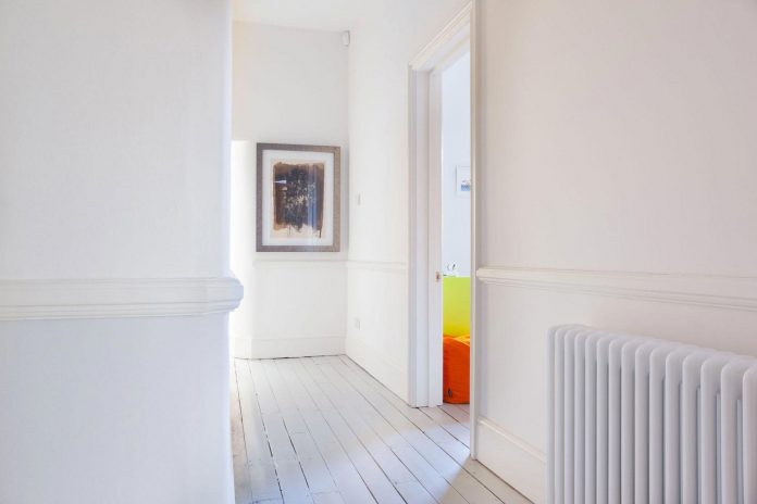 pg-residence-red-brick-detached-property-london-contemporary-interior-look-design-07
