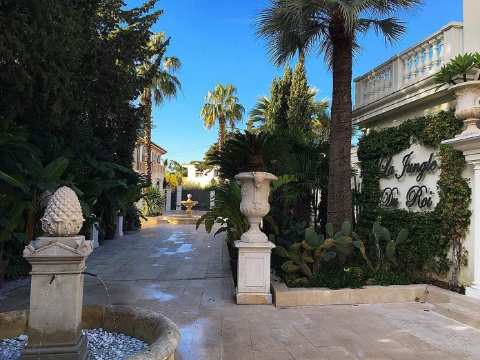 philipp-pleins-la-jungle-du-roi-opulent-two-villa-cannes-03