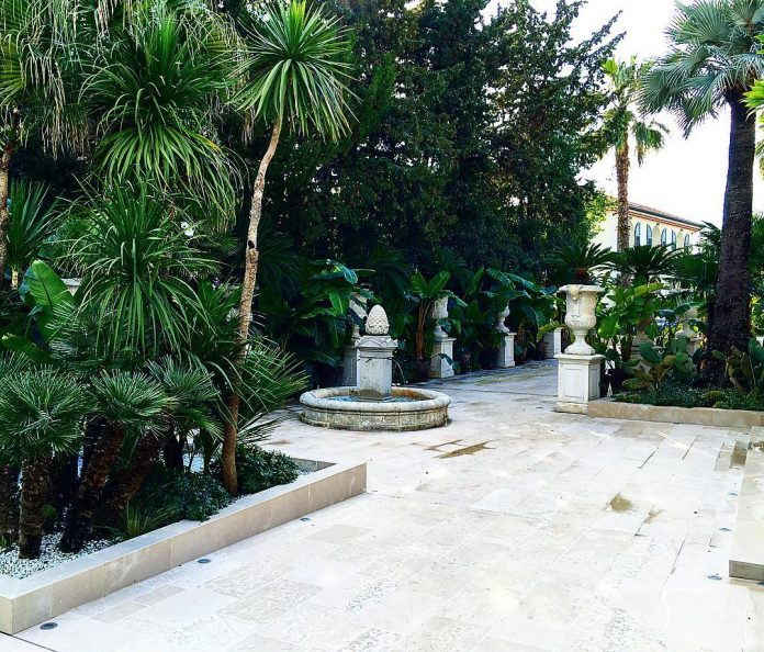 philipp-pleins-la-jungle-du-roi-opulent-two-villa-cannes-04