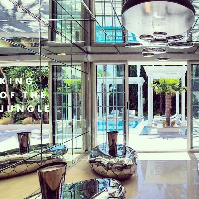 philipp-pleins-la-jungle-du-roi-opulent-two-villa-cannes-08