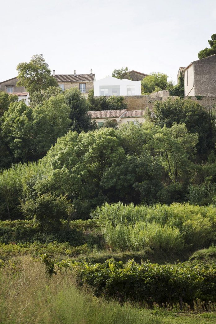 quiet-house-located-tiny-plot-land-gorgeous-view-herault-valley-01