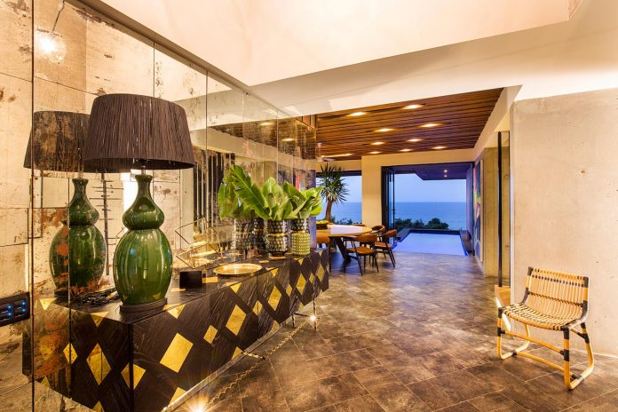 reserve-house-wide-ocean-frontage-taking-full-advantage-panoramic-beach-sea-views-15