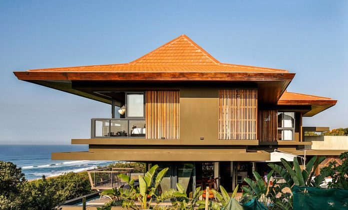 reserve-house-wide-ocean-frontage-taking-full-advantage-panoramic-beach-sea-views-24