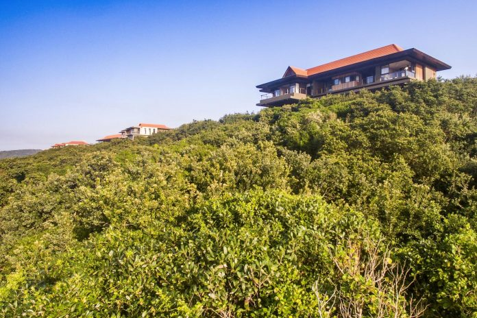 reserve-house-wide-ocean-frontage-taking-full-advantage-panoramic-beach-sea-views-25