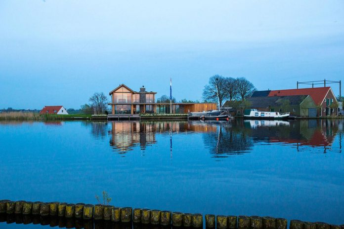 residence-build-compact-plot-waters-edge-kaag-rijpwetering-netherlands-01