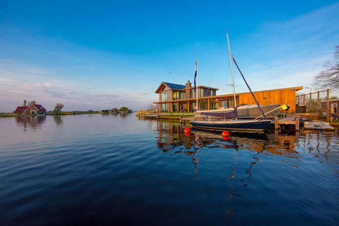 residence-build-compact-plot-waters-edge-kaag-rijpwetering-netherlands-06