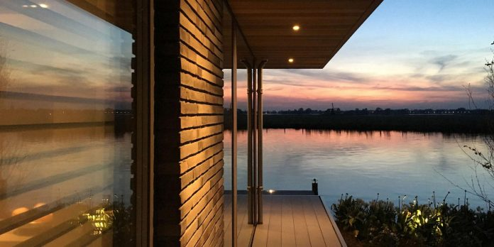 residence-build-compact-plot-waters-edge-kaag-rijpwetering-netherlands-12