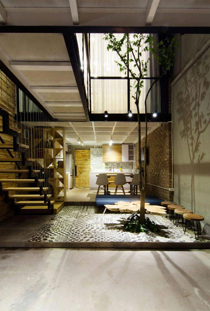 separated-noisy-city-house-humbly-ensconced-small-alley-hoang-van-thai-street-hanoi-01