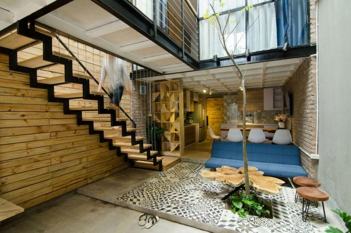 separated-noisy-city-house-humbly-ensconced-small-alley-hoang-van-thai-street-hanoi-02