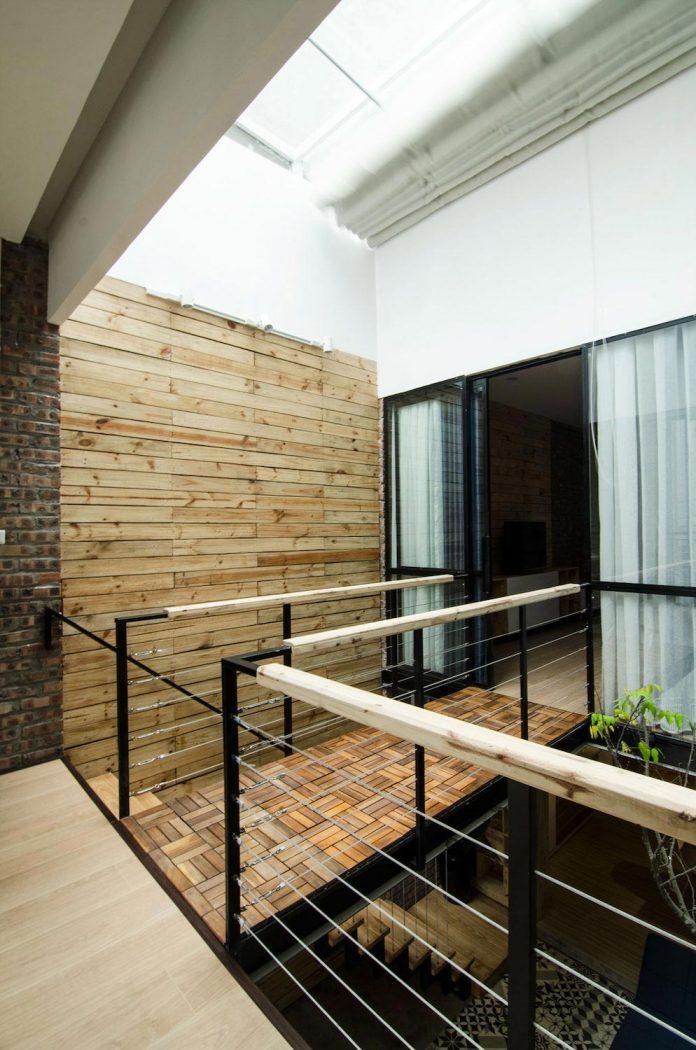 separated-noisy-city-house-humbly-ensconced-small-alley-hoang-van-thai-street-hanoi-08