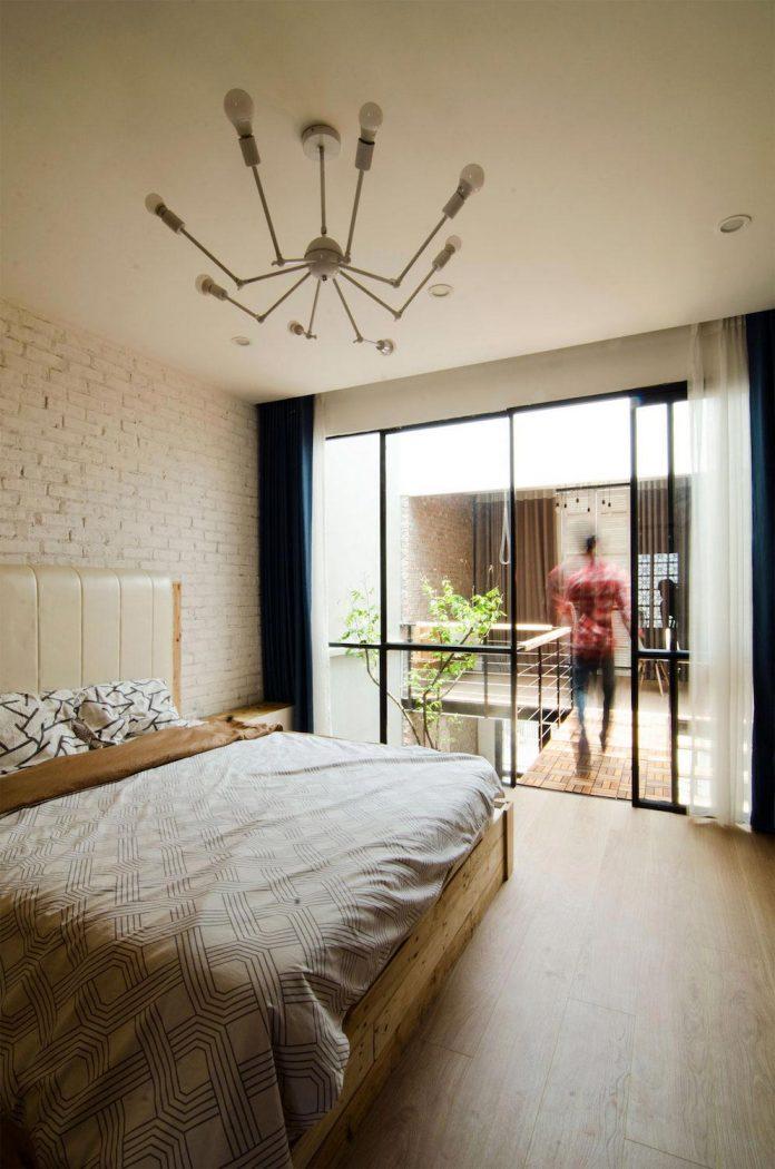 separated-noisy-city-house-humbly-ensconced-small-alley-hoang-van-thai-street-hanoi-09