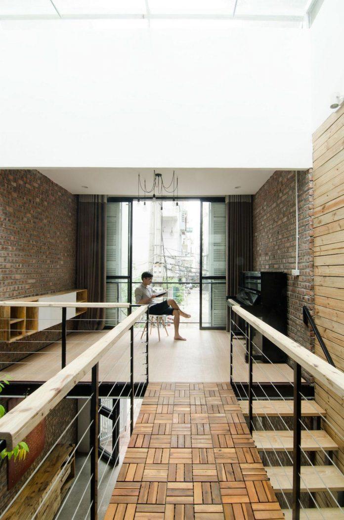 separated-noisy-city-house-humbly-ensconced-small-alley-hoang-van-thai-street-hanoi-10