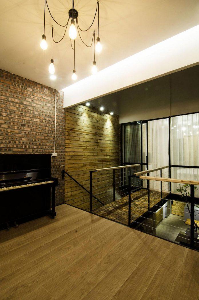 separated-noisy-city-house-humbly-ensconced-small-alley-hoang-van-thai-street-hanoi-12
