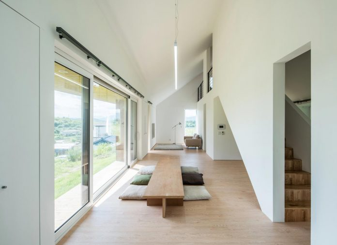 shear-house-single-family-house-korea-seeks-simple-treatment-pitched-roof-typology-improves-environmental-qualities-08