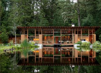 This single-family 1,650 square foot residence and 550 sf guest house was designed to broaden the owners' already strong emotional connection to the living world