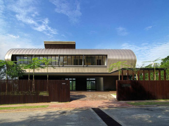 single-family-homes-luxuriant-scenery-can-transcend-role-static-vista-03