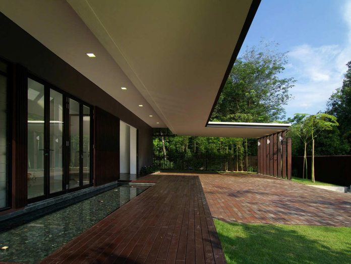 single-family-homes-luxuriant-scenery-can-transcend-role-static-vista-22