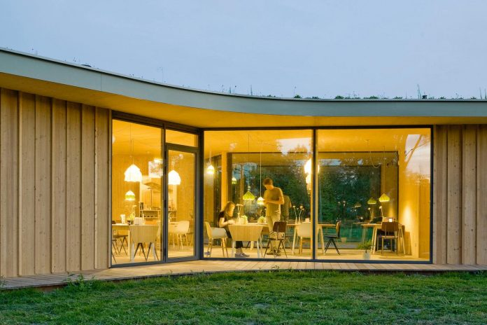 small-scale-low-budget-tea-house-tuin-van-noord-project-10