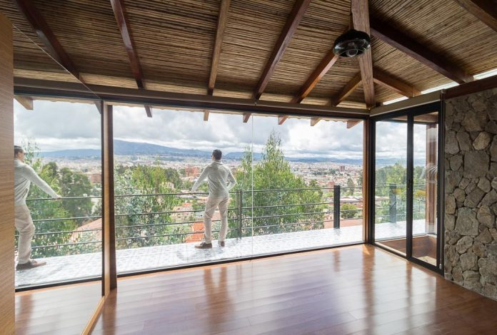 small-stone-detached-house-145-square-meters-two-floors-terrace-natural-viewpoint-city-cuenca-ecuador-03