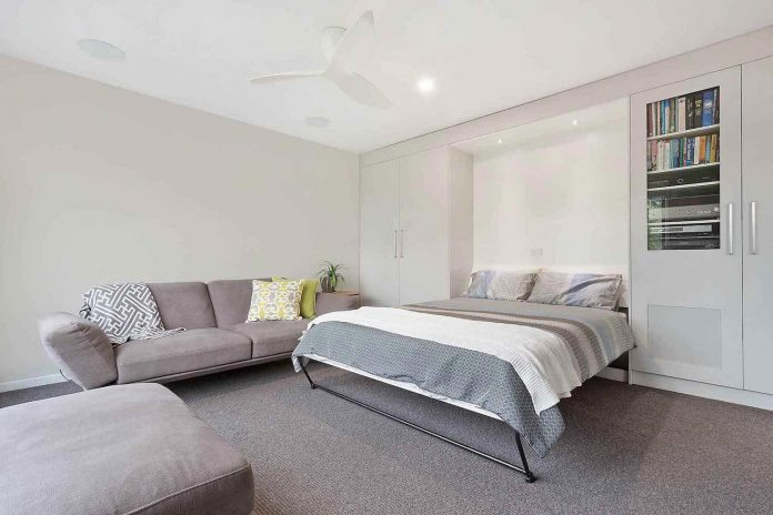 tathra-residence-maximises-magnificent-ocean-views-also-highly-energy-efficient-11