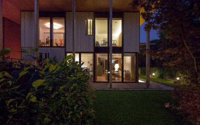 twin-house-consists-two-cubic-volumes-mounted-concrete-basement-designed-studiopietropoli-20